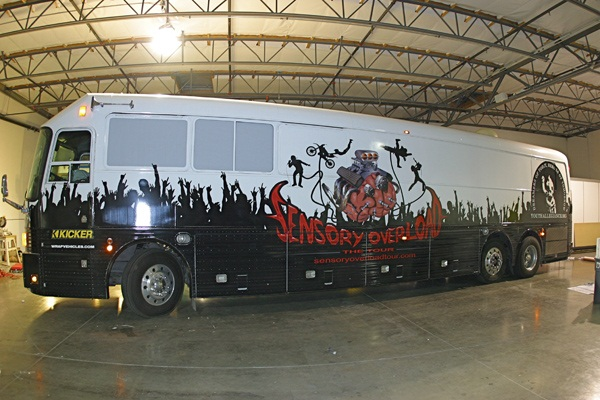 Beautiful Bus Wraps (4)