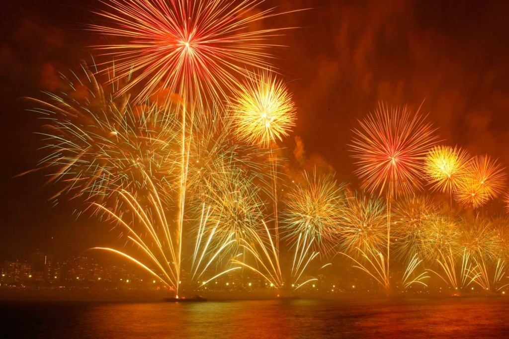 rio new year fireworks 2013