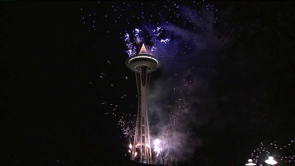 seattle space needle fireworks 2013