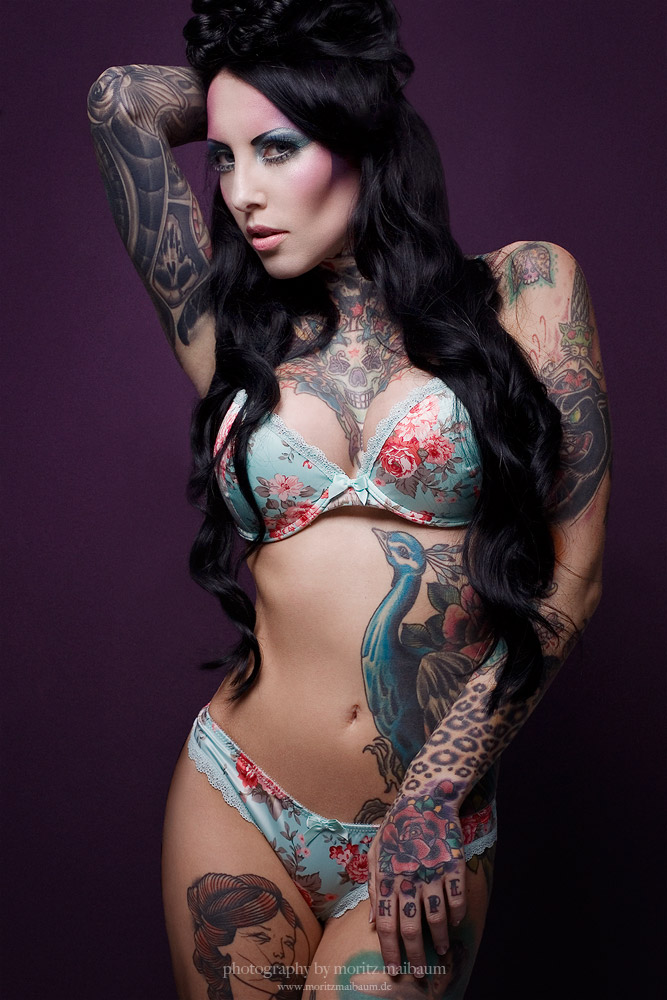 makani pin up model tattoos