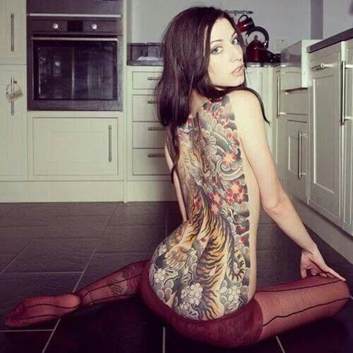 Hot Back Tattoos for Women1 (4)