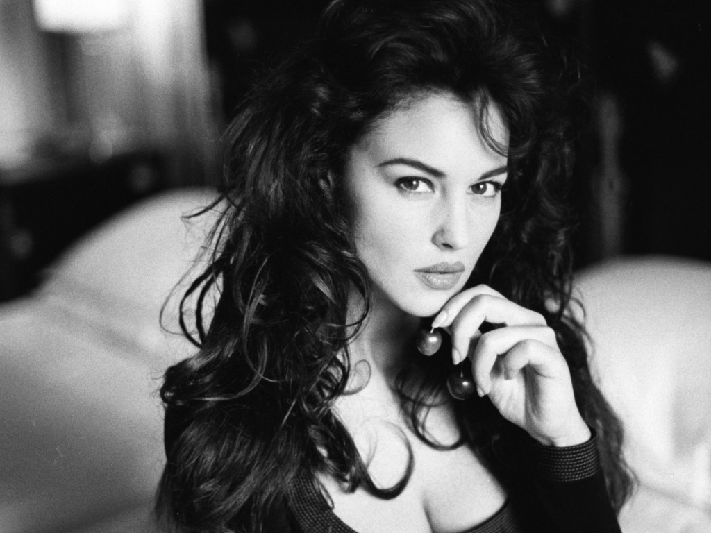 Sexy Monica Bellucci HD Wallpaper (30)