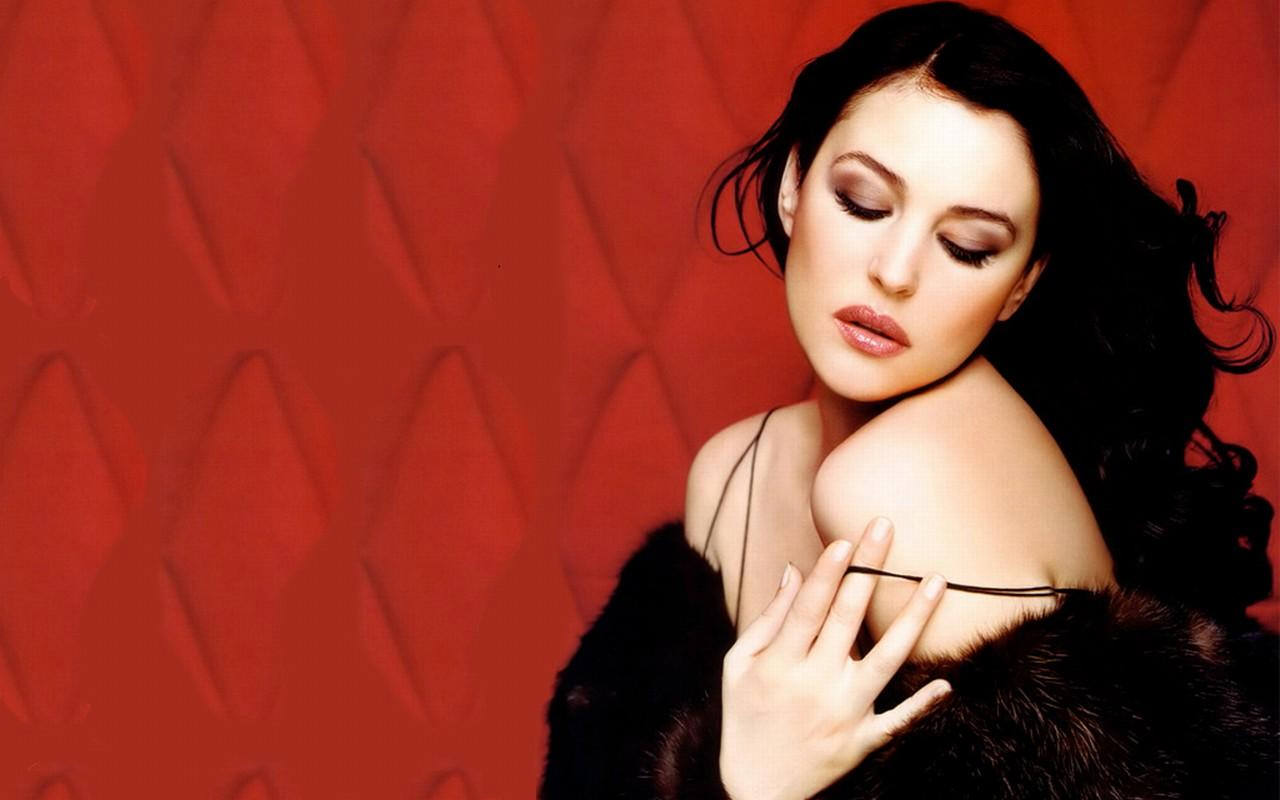 Sexy Monica Bellucci HD Wallpaper (38)