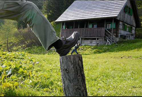 Outstanding Examples of Forced Perspective Photography31