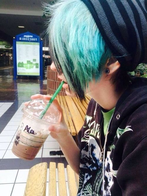 Emo Hairstyles for Guys - 12