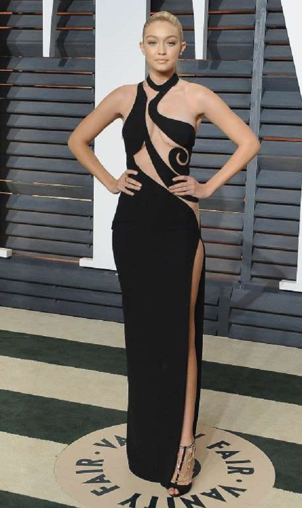 At the 2015 Vanity Fair Oscar party on Feb. 22, 2015 in Beverly Hills, California, the model stunned in an Atelier Versace gown with cut-out details