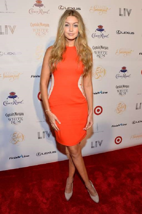 At Club Sports Illustrated on Feb. 19, 2014 in Miami Beach, Florida, she wore a striking, red body-hugging dress.