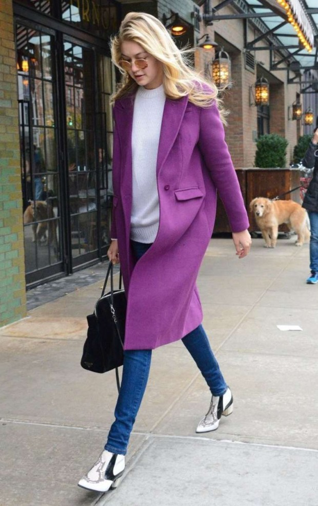 Gigi Hadid knows how to be stylish, A warm basic trench with this grape very charming and it shows nice with skinny Jeans and cowboy style short ancle boots