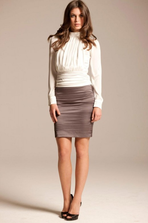Stylish Pencil Skirt outfit examples contast Silver