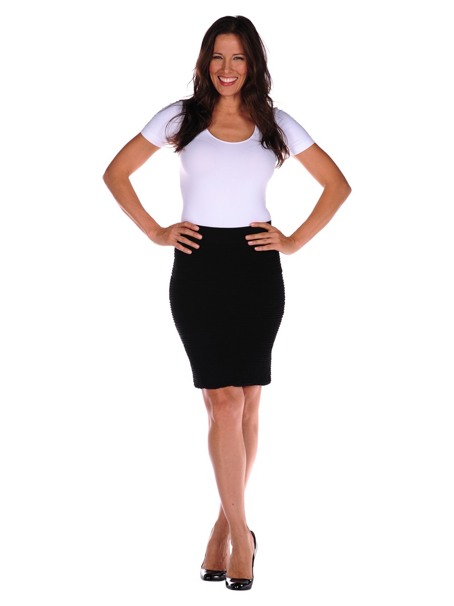 Stylish Pencil Skirt outfit examples contast textured-pencil-skirt