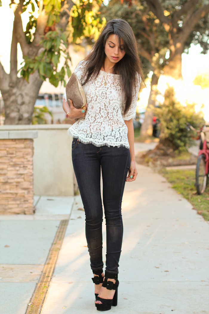 lace top and skiny jeans