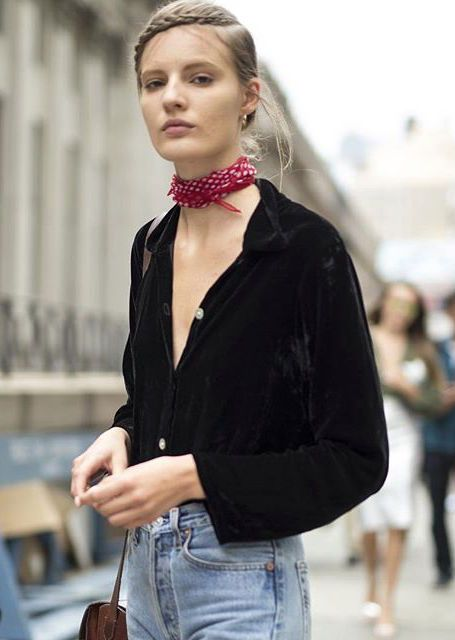 4 Stylish Ways To Wear Choker Scarf 7