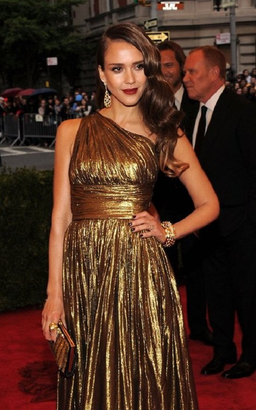 Mesmerizing Gold Dress for you all party girls1.13 jessica-alba