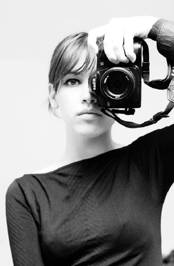 girl with camera photo black and white 17