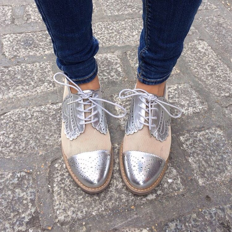 silver shoes1.4