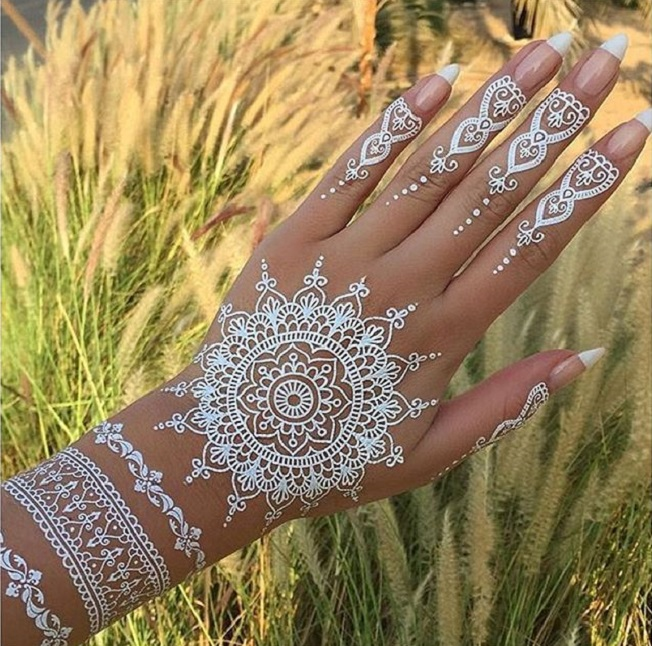 Cute and Tiny glittery and white Temp Tats for Girls 1.16