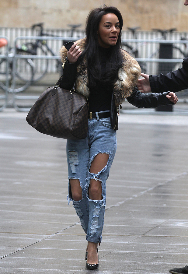 chelsee-healey-ripped-jeans-1