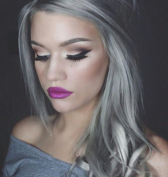 women-grey-blue-hair-color-trends-02