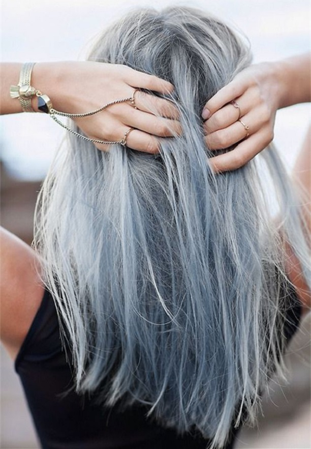 women-grey-blue-hair-color-trends-06
