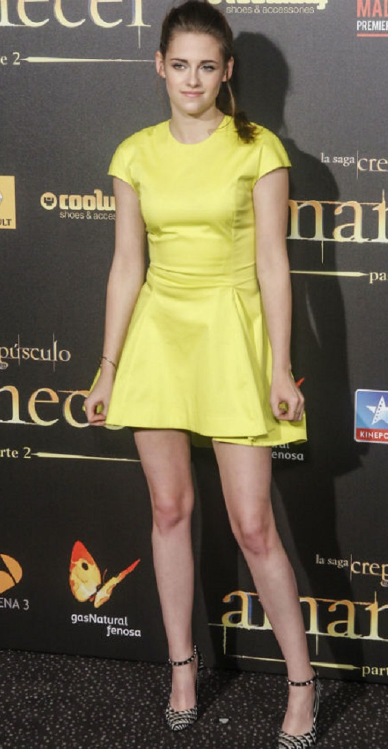 kristen-stewart-yellow-skater-skirt